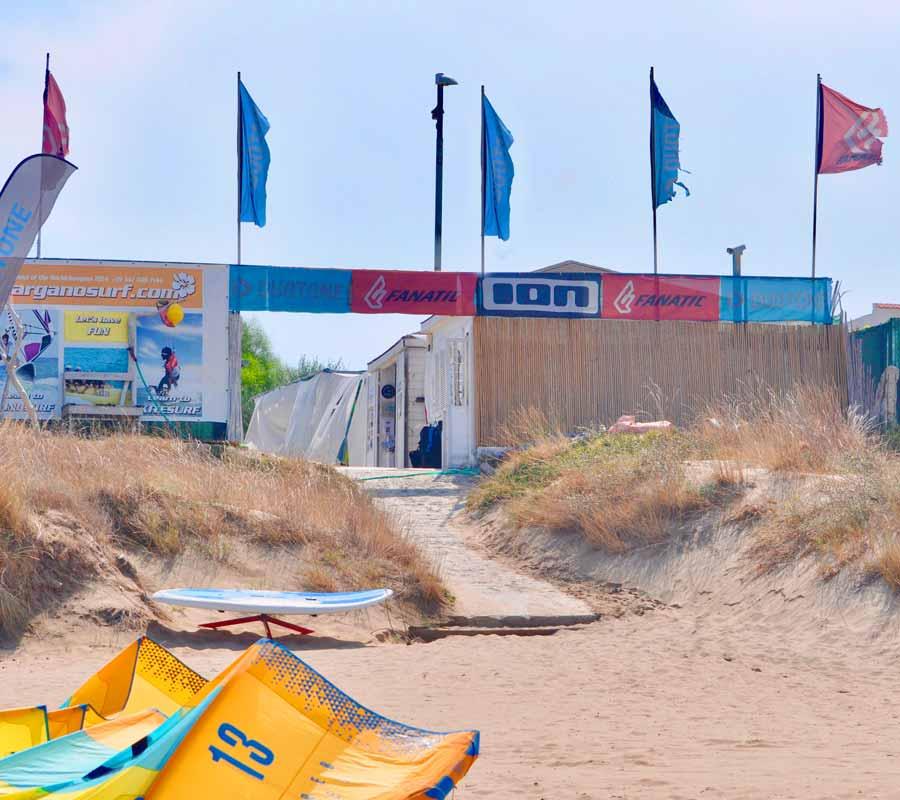 garganosurf-1-cala-azzurra-kite-strand
