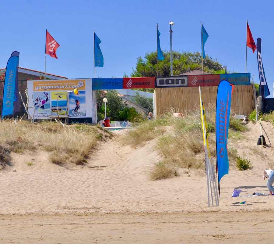 garganosurf-1-cala-azzurra-strand-station