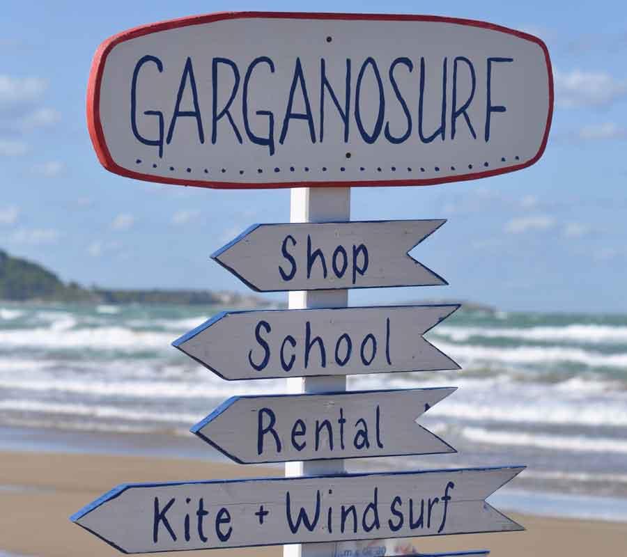 garganosurf-station-1-strand-tafel