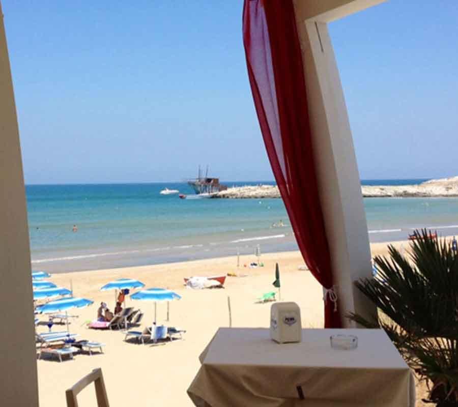 cala-azzurra-ausblick-restaurant-trabucco