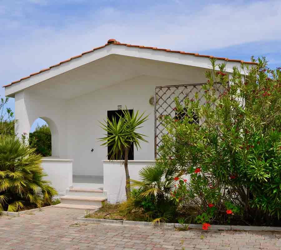 cala-azzurra-unterkunft-bungalow-n