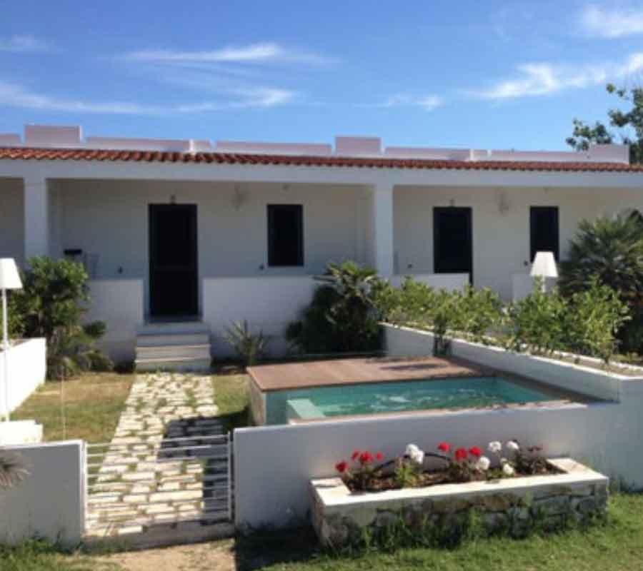 cala-azzurra-unterkunft-bungalow-n1-pool