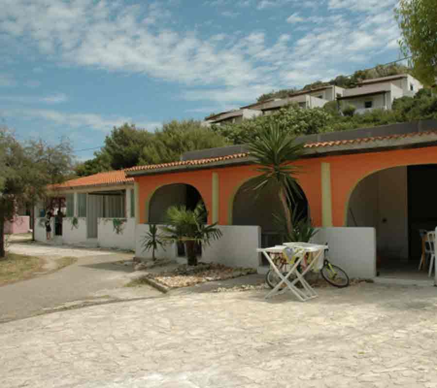 isola-la-chianca-unterkunft-bungalow-orange